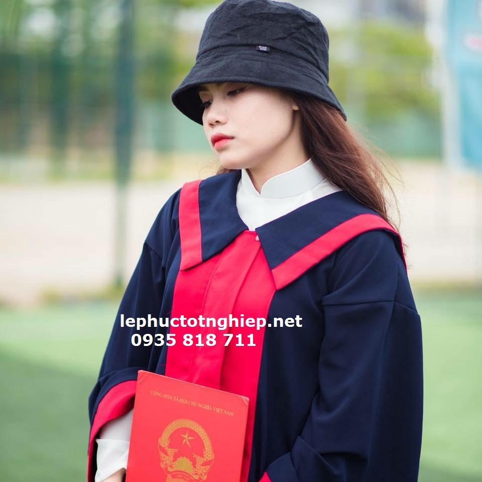 bán rẽ áo tốt nghiệp