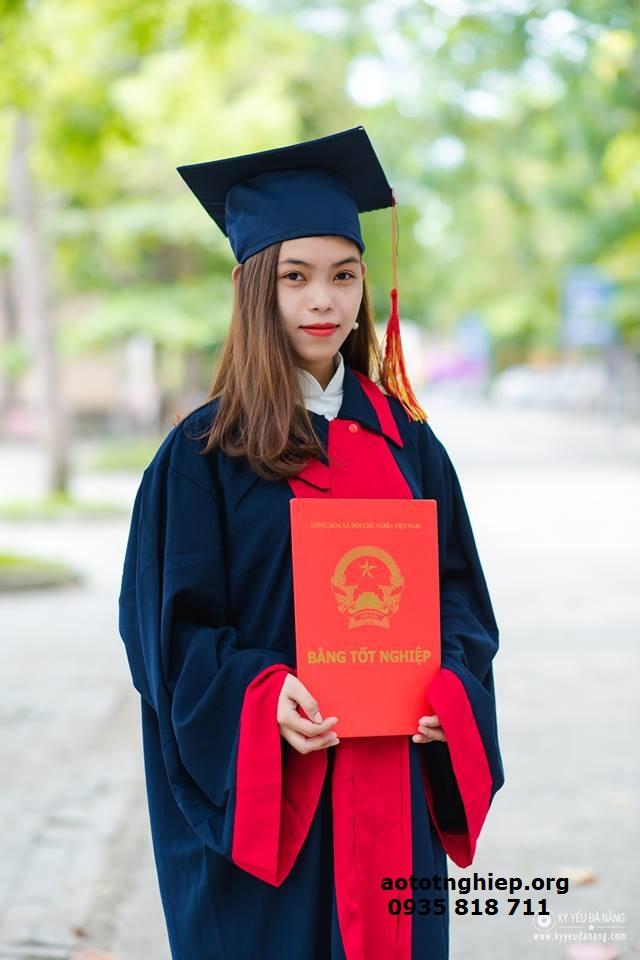 Aó tốt nghiệp cử nhân 01