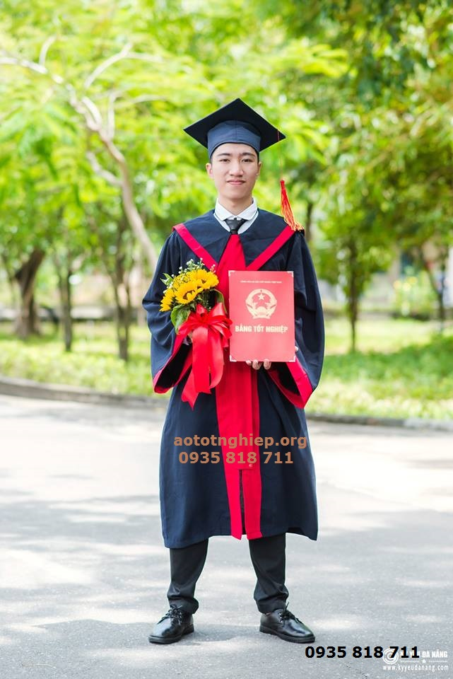 Aó tốt nghiệp cử nhân 02