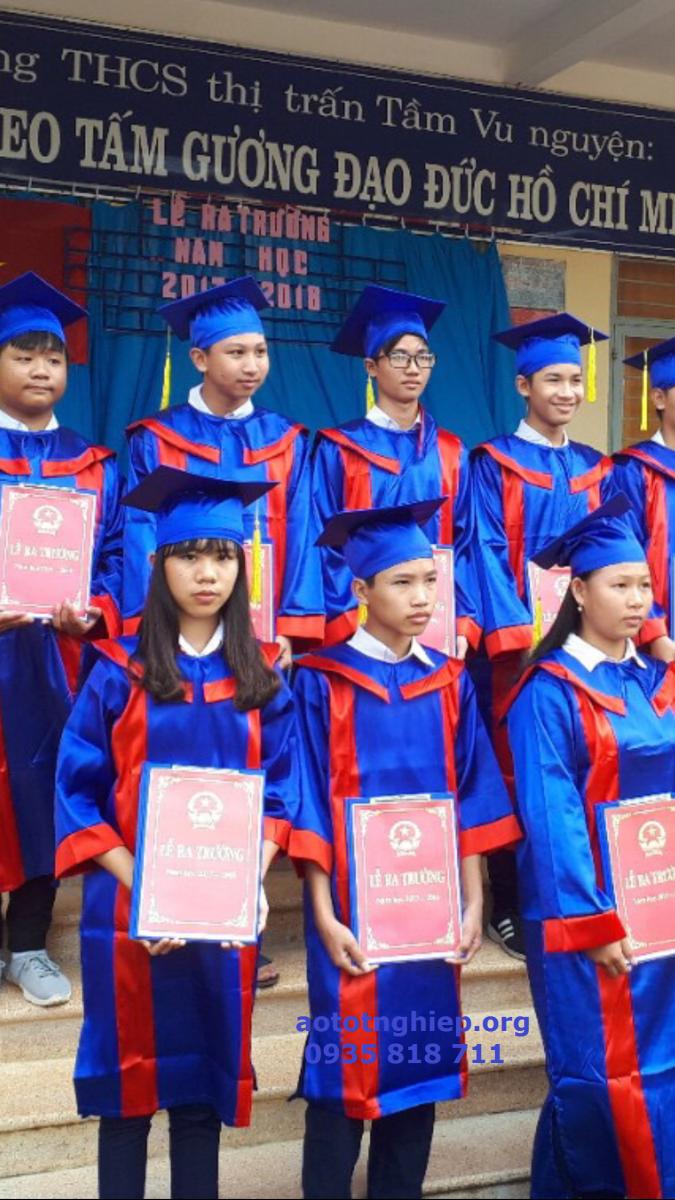 Aó tốt nghiệp cử nhân 13