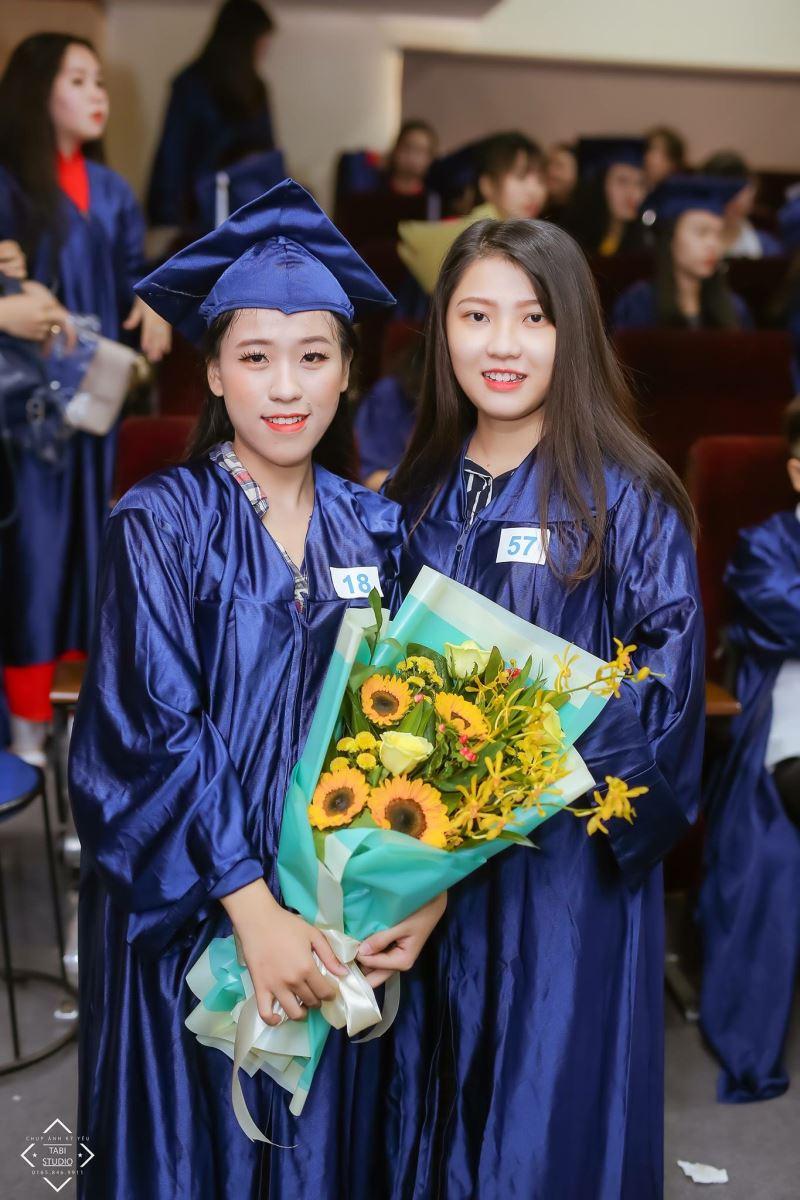 Aó tốt nghiệp trung học phổ thông 16