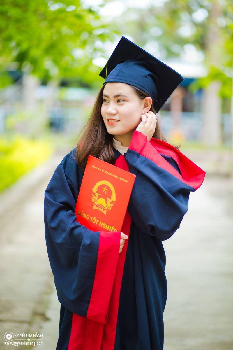 Áo tốt nghiệp trung học cơ sở C06