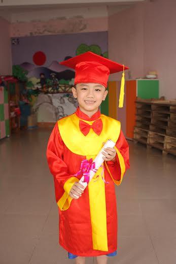 Aó tốt nghiệp Tiểu học Mâm Non Phan thiết  Binh THuận