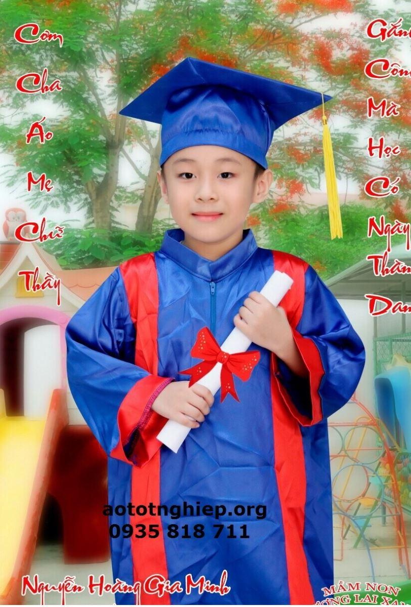 Áo tốt nghiệp mầm non M01