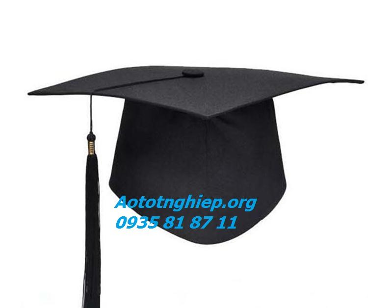 Xưởng may nón tốt nghiệp