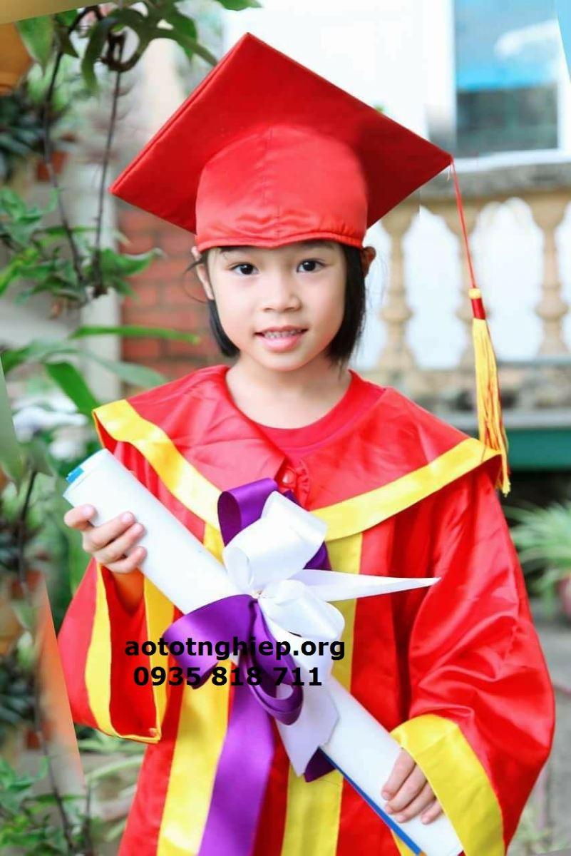 Aó tốt nghiệp cử nhân 03